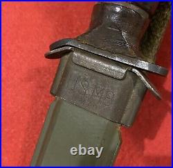 Superb Original WW2 Camillus M3 Fighting Knife with Rare Unmodified M8 Scabbard